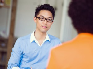 arbetssökande i en intervju med sin arbetsgivare