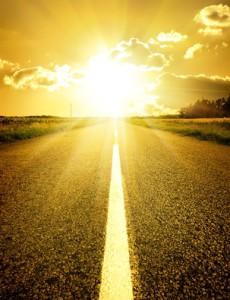 Asfalterad väg till soluppgången
